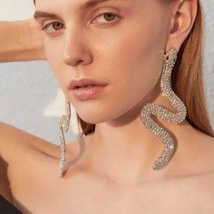 🎀Georgous Large Sparkling Snake Shape Earr